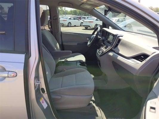 2019 Toyota Sienna LE 8 Passenger